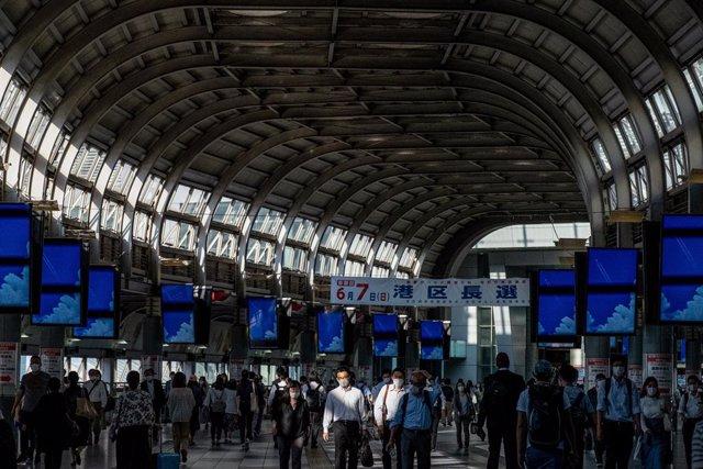 Archivo - Imagen de archivo de una estación de metro de Japón.