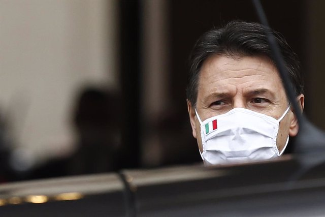 Archivo - 13 February 2021, Italy, Rome: Outgoing Italian Prime Minister Giuseppe Conte leaves the Chigi Palace after Mario Draghi was sworn-in as the new Prime Miister of Italy. Photo: Cecilia Fabiano/LaPresse via ZUMA Press/dpa