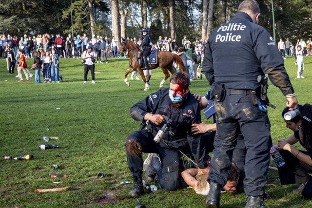 Enfrontaments en un parc de la capital de Bèlgica, Brussel·les, per les restriccions enfront del coronavirus