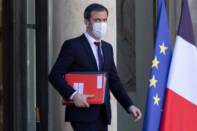 24 March 2021, France, Paris: French Minister of Solidarity and Health, Olivier Veran leaves the Council of Ministers, at the Elysee Palace. Photo: Sadak Souici/Le Pictorium Agency via ZUMA/dpa