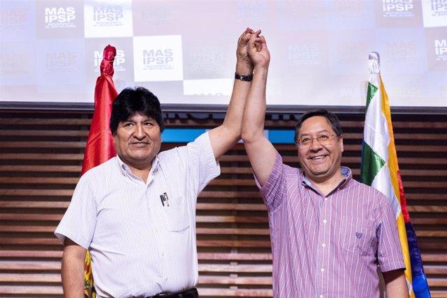 Archivo - El expresidente de Bolivia Evo Morales y el candidato del MAS Luis Arce