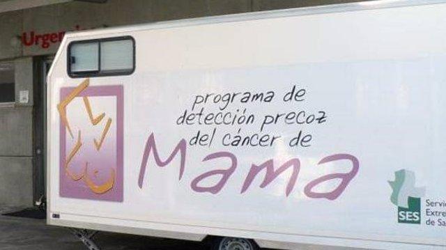 Unidad móvil del programa contrael cáncer de mama.