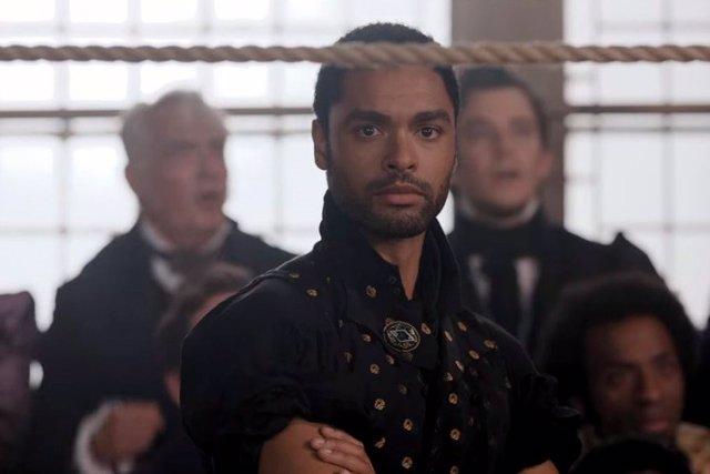 Regé-Jean Page deja la temporada 2 de 'Los Bridgerton': ¿Será el nuevo Black Panther o James Bond?