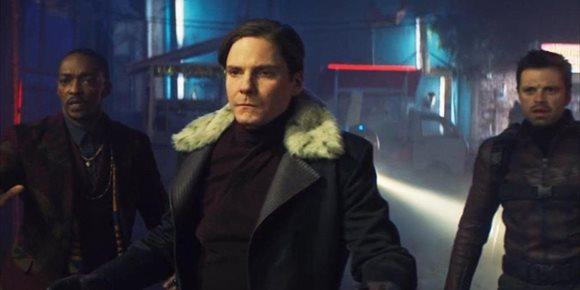 9. Falcon y el Soldado de Invierno: ¿Quién es el Agente de Poder?