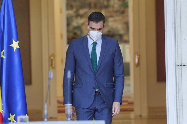 El presidente del Gobierno, Pedro Sánchez, comparece ante los medios para informar sobre los cambios en el Ejecutivo, en Madrid (España), a 30 de marzo de 2021. Tras la marcha de Pablo Iglesias del Ejecutivo, Yolanda Díaz ocupará la vicepresidencia segund