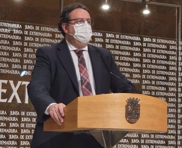 El vicepresidente segundo y consejero de Sanidad, José María Vergeles, en una imagen de archivo.