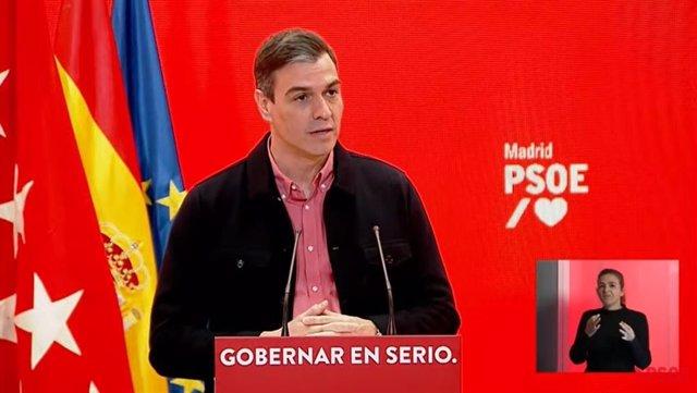 El presidente del Gobierno, Pedro Sánchez, en un acto este domingo junto al candidato socialista a presidir la Comunidad de Madrid, Ángel Gabilondo