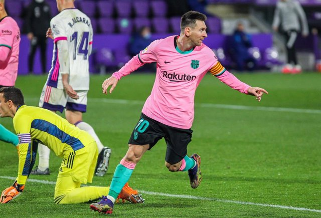 Archivo - Lionel Messi of FC Barcelona celebrates a goal during La Liga football match played between Real Valladolid and FC Barcelona at Jose Zorrilla stadium on December 22, 2020 in Valladolid, Spain.