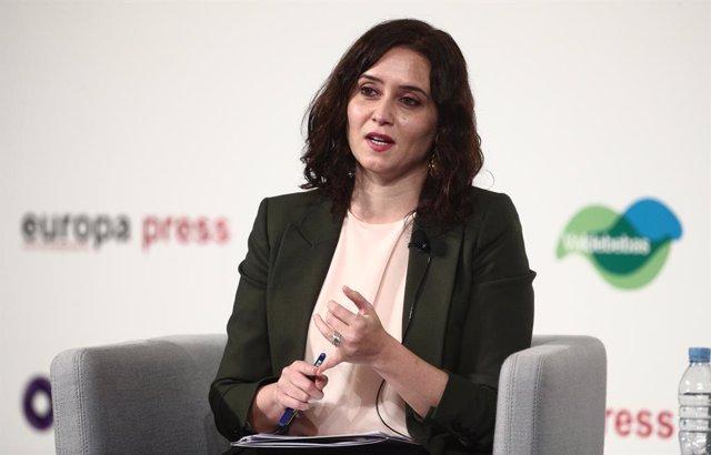 La presidenta de la Comunidad de Madrid y candidata a la reelección por el PP en las elecciones del 4 de mayo en la región, Isabel Díaz Ayuso, interviene en un Desayuno Informativo de Europa Press, a 5 de abril de 2021, en Madrid, (España). Su intervenció