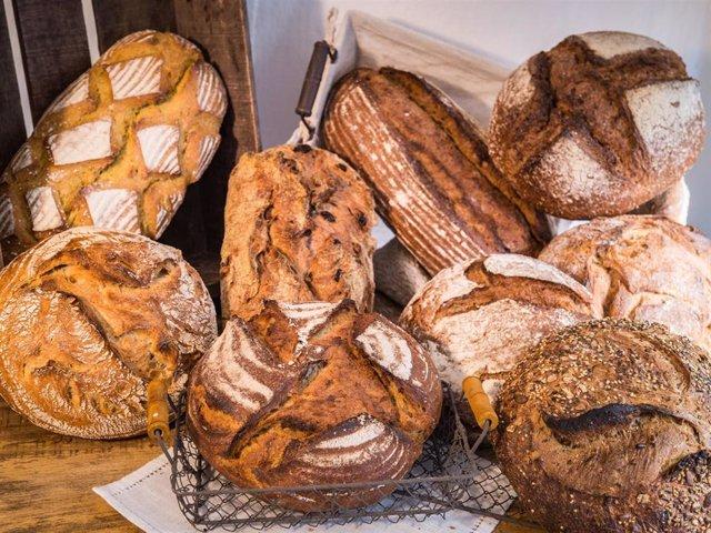 Archivo - La diferencia entre pan integral y pan de grano completo no siempre está demasiado clara