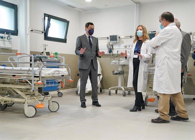 El presidente de la Junta, Juanma Moreno, inaugura en Sevilla la ampliación de las Urgencias del Hospital Universitario Virgen Macarena.