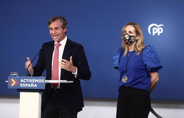 La vicesecretaria de Organización del Partido Popular, Ana Beltrán, y el vicesecretario de Territorial del partido, Antonio González Terol, durante una rueda de prensa, a 5 de abril de 2021, en Madrid, (España).