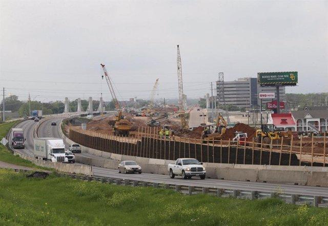 Obras de ampliación de una autopista en Estados Unidos