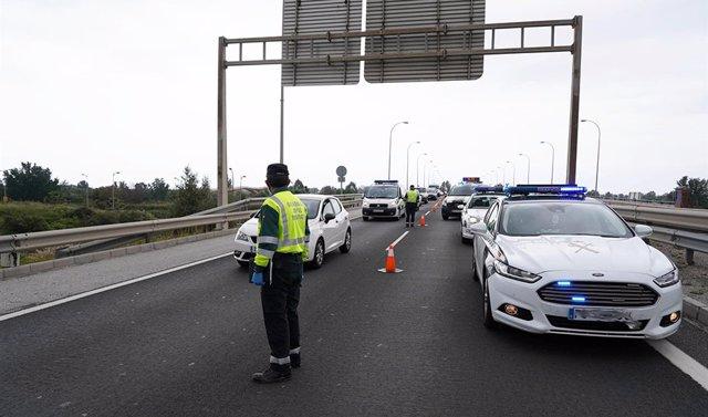 Archivo - Granada.- Sucesos.- Cortada la autovía A-7 en Gualchos por un desprendimiento de ladera sin causar heridos