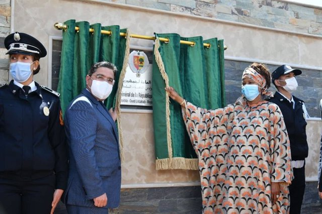 El ministro de Asuntos Exteriores de Marruevos, Nasser Bourita, y su homóloga de Senegal, Aïssata Tall Sall
