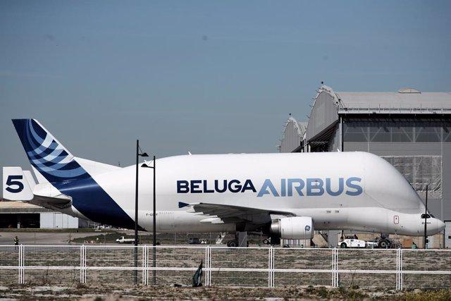 Archivo - Avión Beluga de Airbus en la sede de la empresa en Getafe (Madrid)
