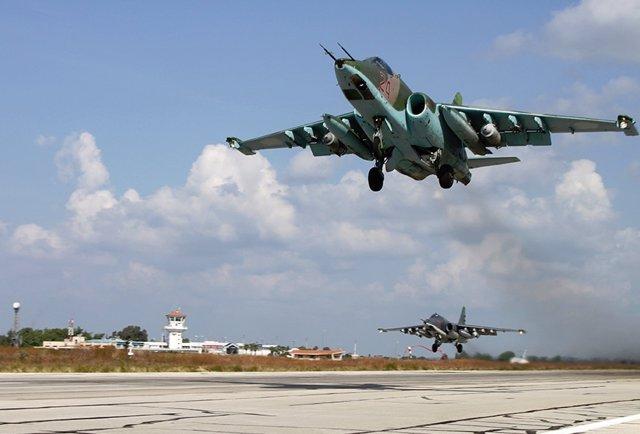 Archivo - Caza ruso que participa en la ofensiva militar en Siria