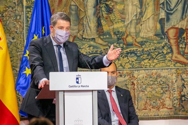 El presidente de C-LM, Emiliano García-Page, durante el acto de toma de posesión de Bárbara García como nueva consejera de Bienestar Social