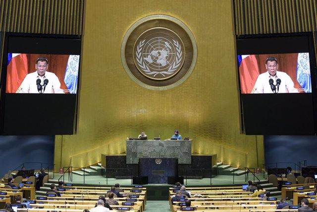 Archivo - HANDOUT - 22 September 2020, US, New York: Rodrigo Duterte (on screens), President of the Philippines, addresses the general debate of the General Assembly's 75th session. Photo: Manuel Elias/UN Photo/dpa - ATTENTION: editorial use only and only