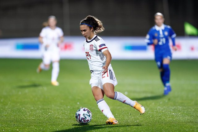 Archivo - Nahikari Garcia of Spain in action during UEFA Women Eurocup football match played between Spain and Moldova at Ciudad del Futbol on november 27, 2020, in Las Rozas, Madrid, Spain