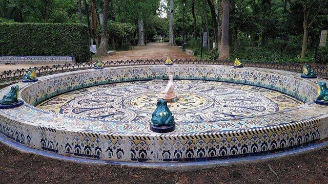 Una de las fuentes del Parque de María Luisa