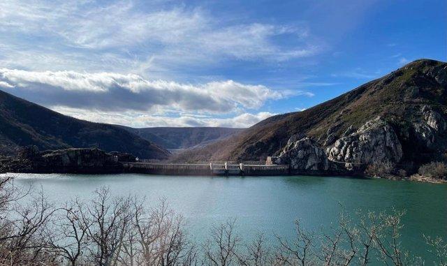 Archivo - Uno de los embalses de la Cuenca del Duero, que suman 163,7 hm3 más en la última semana.