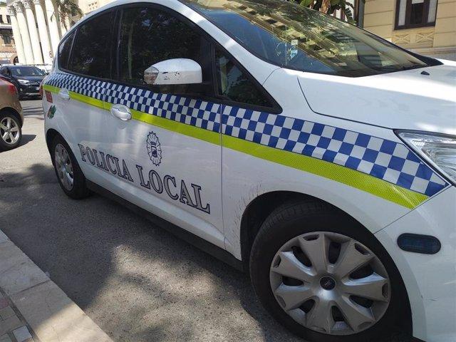 Archivo - Policía Local de Málaga, coche patrulla, barrio