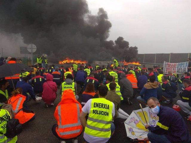 Archivo - Protesta de trabajadores de Alcoa