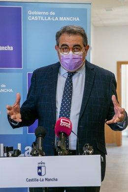 El Consejero De Sanidad, Jesús Fernández Sanz, En La Inauguración Del Consultorio Local De Almorox (Toledo).