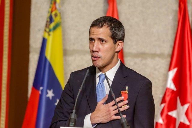 Archivo - El presidente de la Asamblea Nacional Venezolana, Juan Guaidó, en el acto de la Comunidad de Madrid donde recibe la Medalla Internacional de la Comunidad de Madrid, en Madrid a 25 de enero de 2020