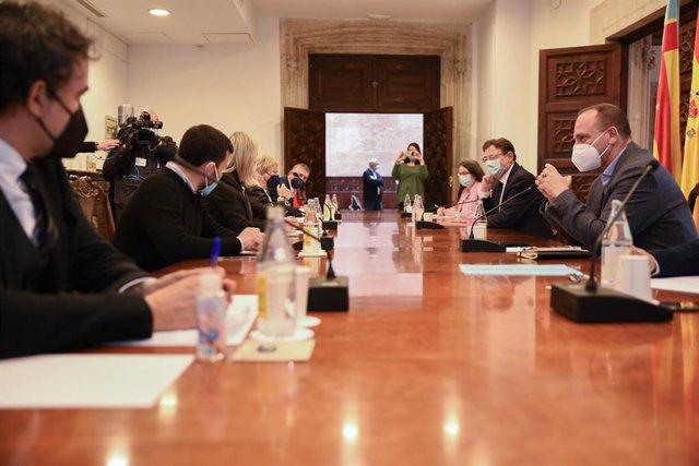 Imagen de archivo de la mesa interdepartamental COVID de la Generalitat