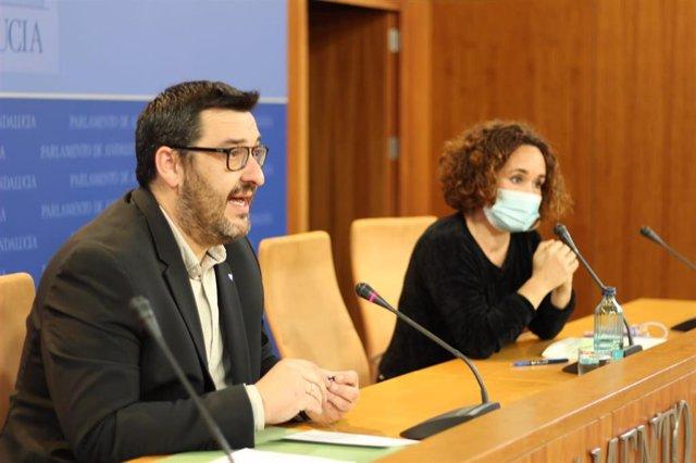 Archivo - Los parlamentarios de Adelante Andalucía Guzmán Ahumada y Ana Naranjo