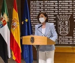 La vicepresidenta primera del Gobierno, Carmen Calvo, en rueda de prensa en Mérida tras asistir al Consejo de Gobierno de la Junta de Extremadura