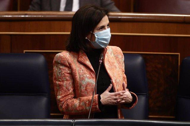 Archivo - La ministra de Defensa, Margarita Robles, en el Congreso