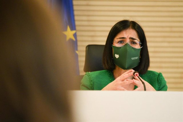 La ministra de Sanidad, Carolina Darias, ofrece una rueda de prensa a 5 de abril de 2021, en el edificio de Salud Pública de Valencia, Comunidad Valenciana, (España). Darias se ha reunido con la consellera de Sanidad Universal y Salud Pública de Valencia