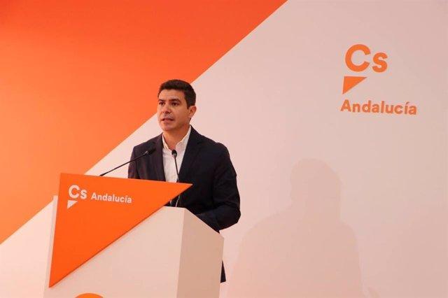 El portavoz parlamentario de Ciudadanos (Cs) Andalucía, Sergio Romero, en rueda de prensa en una foto de archivo.