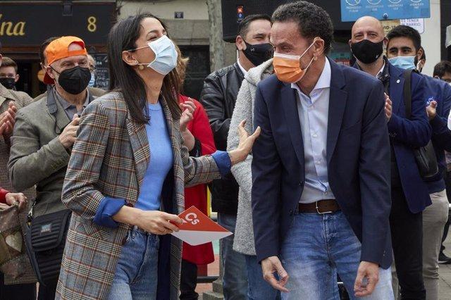 La presidenta de Ciudadanos, Inés Arrimadas, y el portavoz de la Ejecutiva del partido y candidato a la Presidencia de la Comunidad de Madrid, Edmundo Bal.