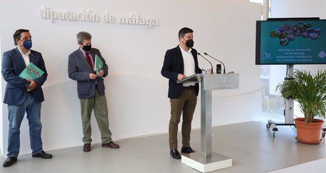 Presentación de la guía con experiencias para frenar el cambio climático basadas en el uso de recursos naturales editada por la Diputación de Málaga