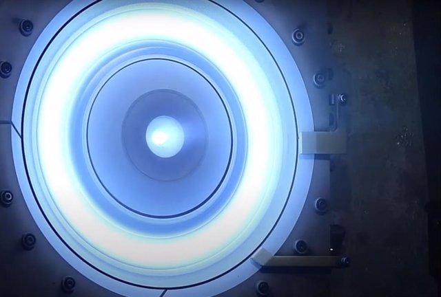 Encendido del moitor eléctrico que euipará la estación orbital lunar Gateway de la NASA