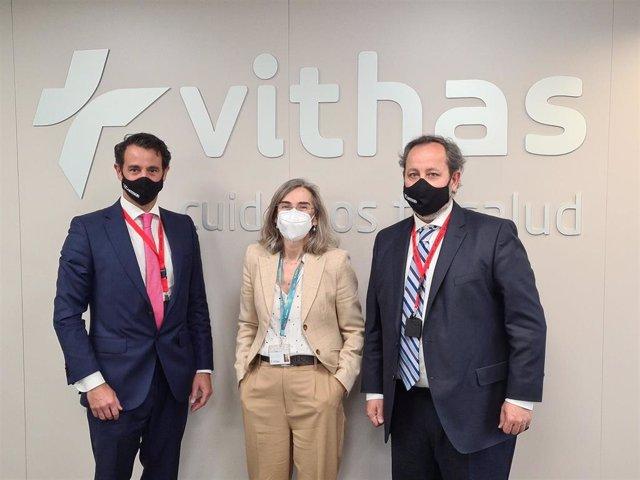 Esteban Gebhard, Socio-Consultor de COMMON MS, Mercedes Barreiro, CIO del Grupo  Vithas y Julián Sánchez, Socio-Consultor de COMMON MS.