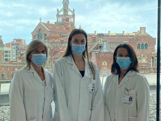 De izquierda a derecha, las doctoras Elisabet Ars, Monica Furlano y Roser Torra, autoras del estudio.