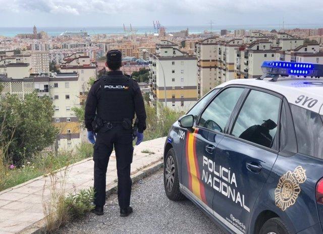 Archivo - Imagen de archivo de un agente  de policía nacional Málaga capital