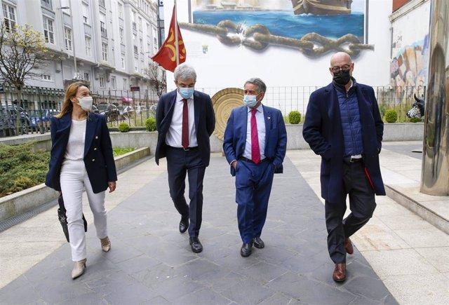 El presidente de Cantabria, Miguel Ángel Revilla, recibe al coordinador de Ciudadanos (Cs), Félix Álvarez, y a los eurodiputados Luis Garicano y Susana Solís