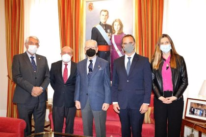 La Real Asociación de Hidalgos y la Cátedra Vargas Llosa crean un Premio de Relato Histórico