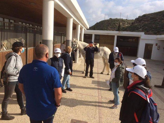 Junta y Diputación muestran el interior de 'Costa de Almería' a nueve agencias de viaje