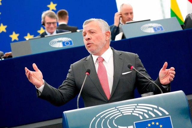 Archivo - Abdalá II en el Parlamento Europeo
