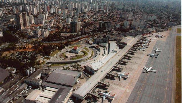 Archivo - Aeropuerto de Brasil