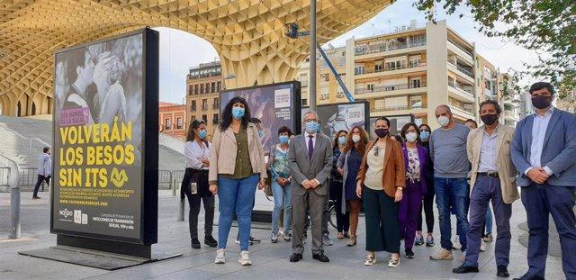 Inauguración de la muestra'Volverán los besos sin ITS'