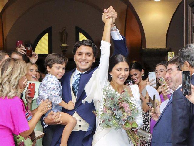 """Archivo - Los influencers María García de Jaime y Tomás Paramo se dan el """"Sí, quiero"""" con una romántica boda    BODA"""