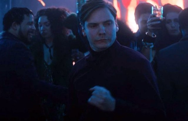 El baile de Zemo en Falcon y el Soldado de Invierno se hace viral con #ReleaseTheZemoCut